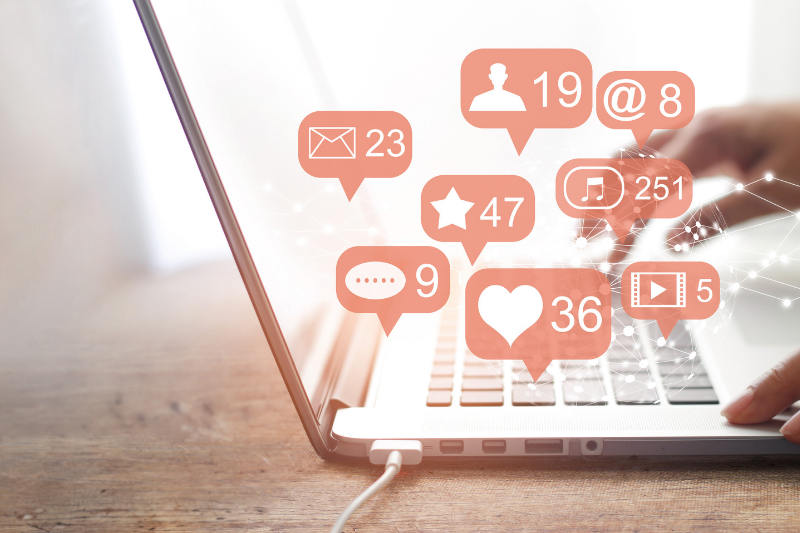 a creative virtual assistant can help your small business with social media content and management